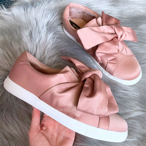 Stradivarius || NEW Dusty Pink Bow Tie Sneakers